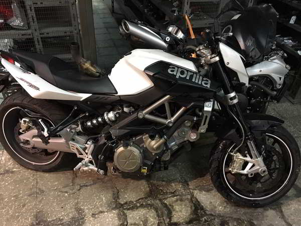 Side view of the Aprilia Shiver 750 2012 for scrap