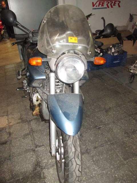Cúpula y frontal de una moto BMW 1150R 2001