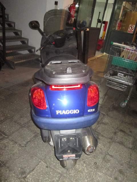 Parte trasera de la Piaggio X9 125cc del año 2004