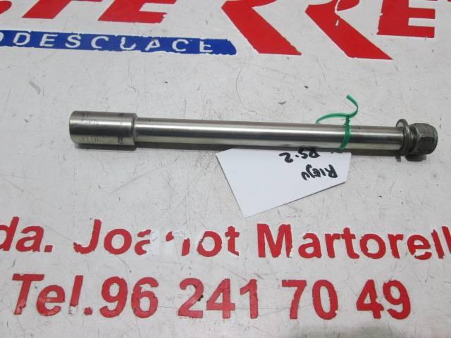 FRONT WHEEL HUB scrapping a RIEJU MATRIX RS 2 2005