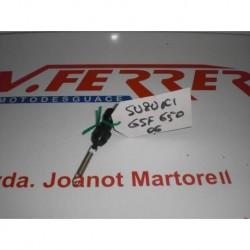 SOPORTE INTERMEDIO DELANTERO DERECHO de repuesto de una moto SUZUKI GSF 650 BANDIT 2006