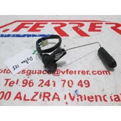 AFORADOR DEPOSITO GASOLINA de repuesto de una moto HONDA DYLAN 125 2005