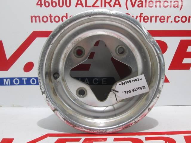 LLANTA DELANTERA 2 (CON GOLPE) de repuesto de un atv SUZUKI QUAD LTZ 400