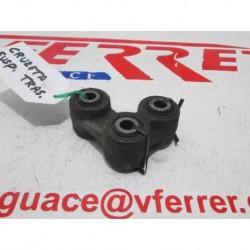 BRAZO ARTICULACION SUSPENSION TRASERA de repuesto de una moto YAMAHA YZF R 125 2008.