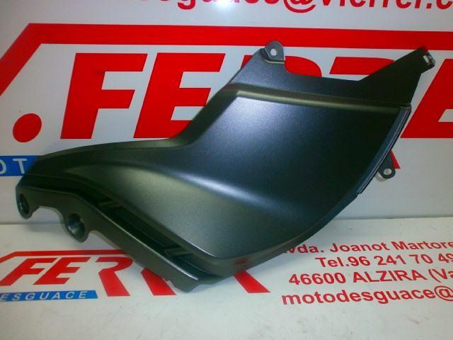 TAPA LATERAL DERECHA GRIS de repuesto de una moto APRILIA MANA 850 / MANA 850 GT 2007-2011
