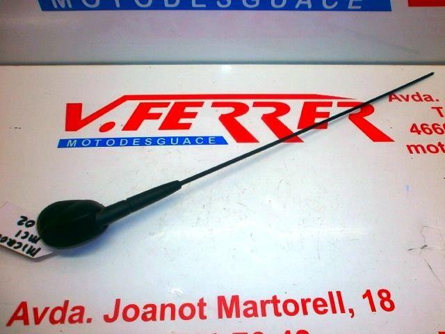 ANTENA DE RADIO de repuesto de un MICROCAR MC 1 2004