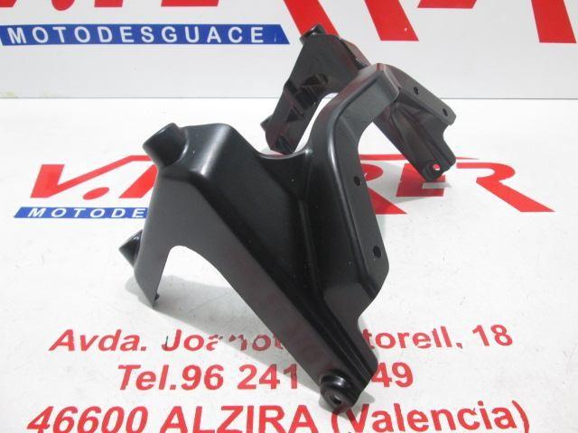 ARAÑA DELANTERA (SOPORTE FARO) de repuesto de una moto DUCATI MULTISTRADA 1000.