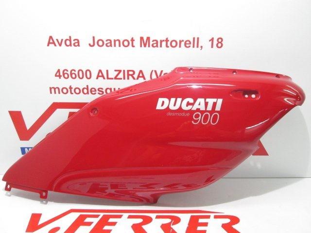 CARENADO DERECHO de repuesto de una moto DUCATI DESMODUE 900