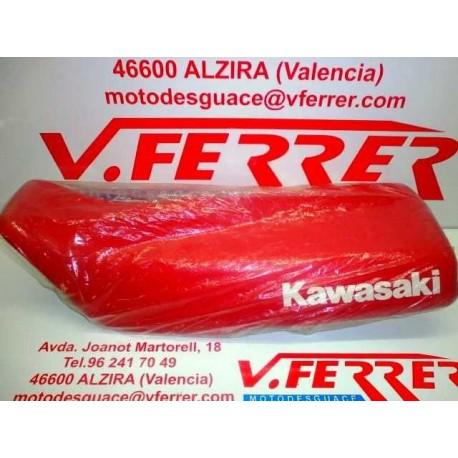 ASIENTO de repuesto de una moto KAWASAKI KL 500 1988