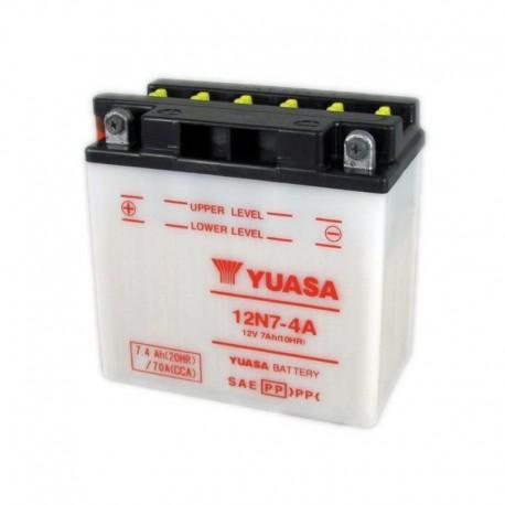 Bateria para moto o ciclomotor marca YUASA modelo 12N7-4A de 12v 7Ah