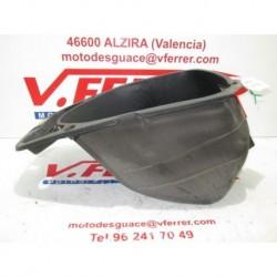 COFRE de repuesto de una moto DAELIM NS 125 DLX 2003