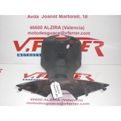 TAPA CENTRAL PISADERA de repuesto de una moto GILERA RUNNER 50 DD 2000