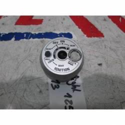 Bloqueo de clausor de repuesto de una moto Yamaha D'Elight 115 del año 2013