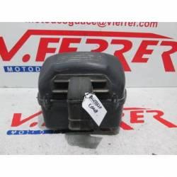 Caja filtro aire completa de repuesto de una moto Suzuki SV 650 S del año 2003