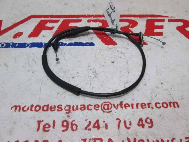 Cable acelerador de repuesto de una moto KTM DUKE 125 del año 2012