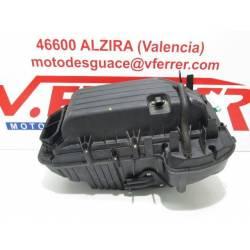 Caja filtro aire de repuesto de una moto Aprilia SHIVER 750 del 2011