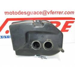 Caja filtro aire de repuesto de una moto Hyosung GT 250 Comet del 2002