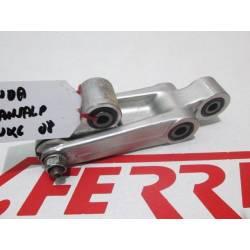 Bieletas suspension amortiguador de repuesto de una moto Honda Transalp 700 del año 2007