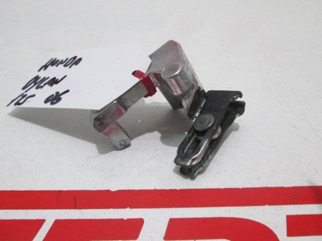 Accionamiento repartidor frenada de repuesto de una moto Honda Dylan 125 del año 2006