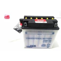 Bateria para moto o ciclomotor marca POWER THUNDER, TAB modelo 12N7-4A de 12v 7Ah