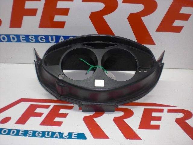 SPEEDOMETER COVER HONDA DEAUVILLE 650 V with 33238 km.