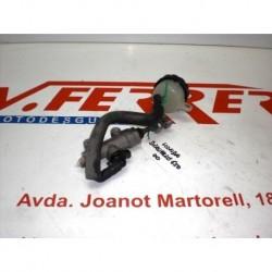 BOMBA FRENO TRASERO de repuesto de una moto HONDA DEAUVILLE 650 V 2000