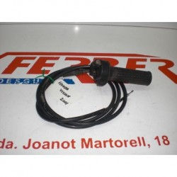 MANDO ACELERADOR CON CABLE de repuesto de una moto HONDA VISION ST 50 2001