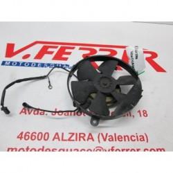 ELECTROVENTILADOR de repuesto de una moto HONDA VFR 750