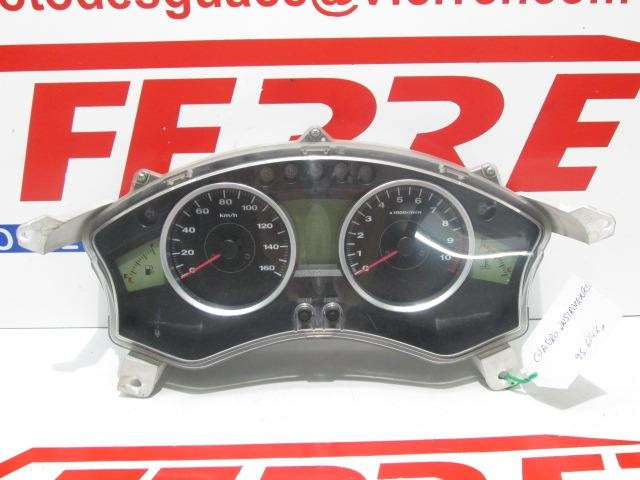 VELOCIMETRO (95614 KM) de repuesto de una moto HONDA FORZA 250 2008.