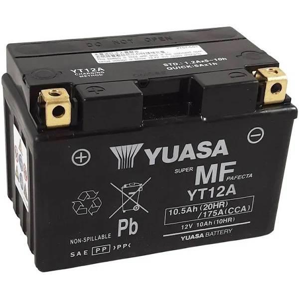 Bateria para moto o ciclomotor marca YUASA modelo YT12A-BS de 12v 10Ah