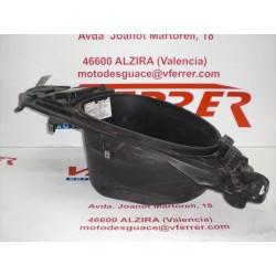 COFRE de repuesto de una moto APRILIA SR 50 DITECH 2003