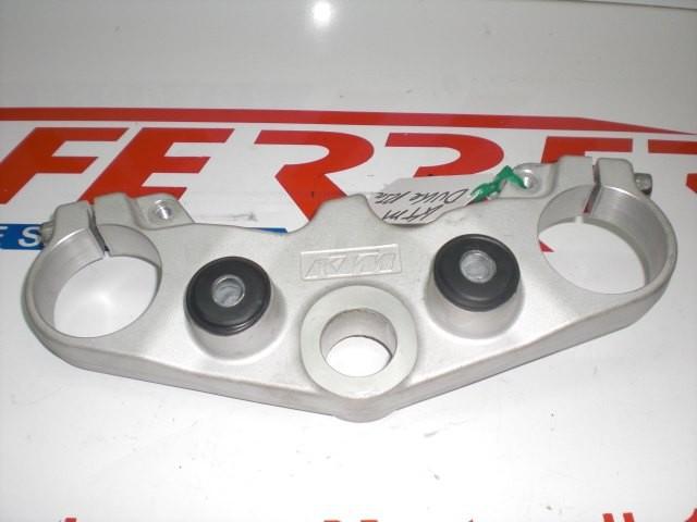 TIJA SUPERIOR de repuesto de una moto KTM DUKE 125 2011