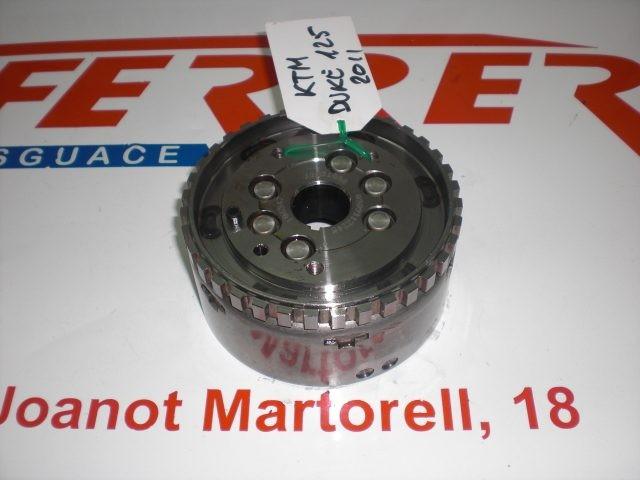VOLANTE MAGNETICO de repuesto de una moto KTM DUKE 125 2011