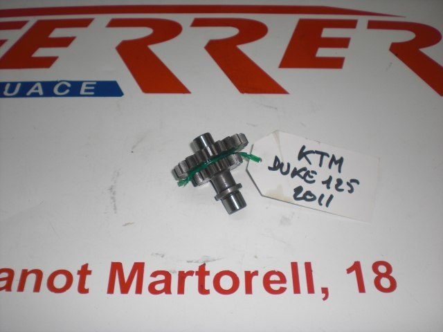 PIÑON INTERMEDIO ARRANQUE Nº 2 (LADO CORONA BENDIX) de repuesto de una moto KTM DUKE 125 2011