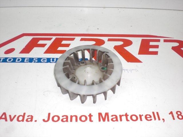 VENTILADOR VOLANTE de repuesto de una moto PEUGEOT VIVACITY 50 2007