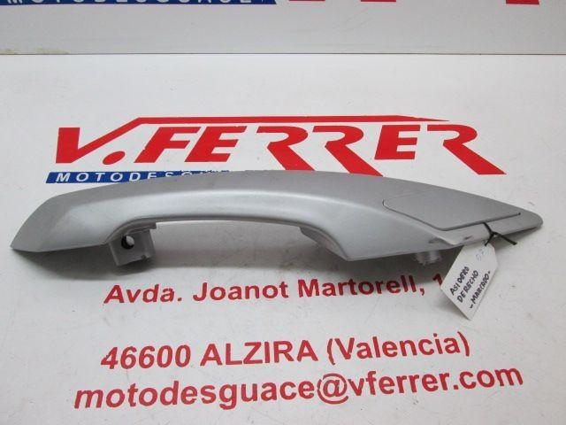 ASIDERO DERECHO de repuesto de una moto PEUGEOT SATELIS 125 2007