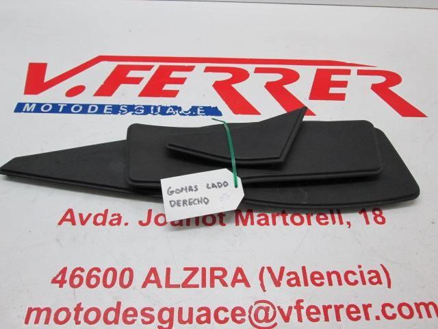 ALFOMBRILLAS PISADERA DERECHA de repuesto de una moto PEUGEOT SATELIS 125 2007