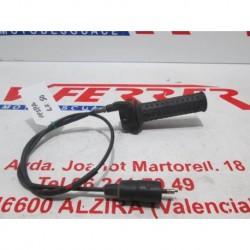 MANDO ACELERADOR CON CABLE de repuesto de una moto PIAGGIO VESPA LX 50 2005.