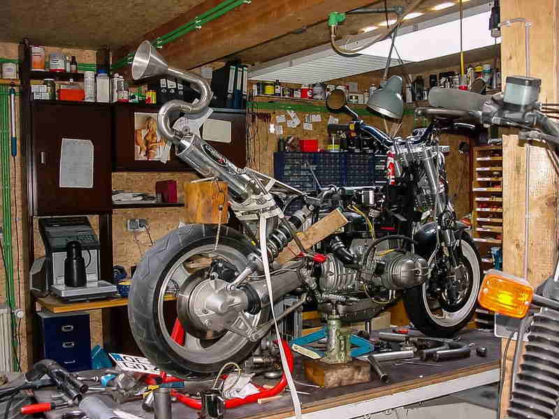 Tu propio taller de mantenimiento de tu moto en casa