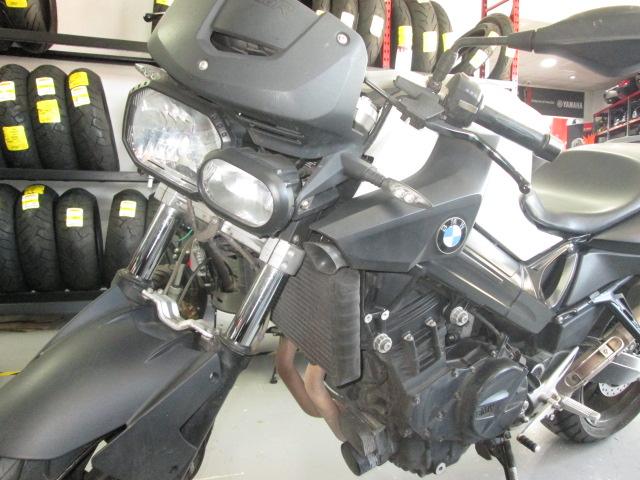 Frondal de una moto BMW F800R 2010