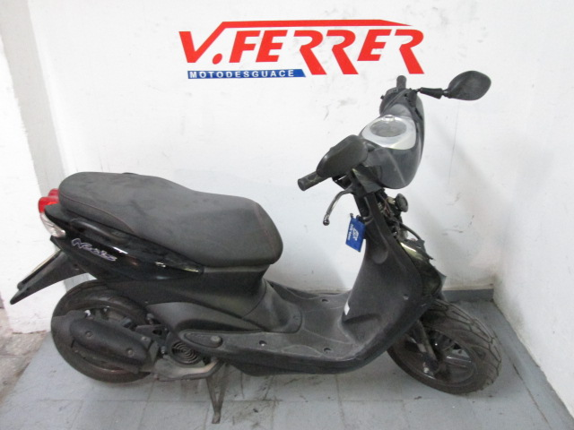 Right part Yamaha Neo´s 50cc 2015 to scrapping