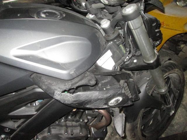 Lateral izquierdo con golpe de una Yamaha MT 125 para su desguace