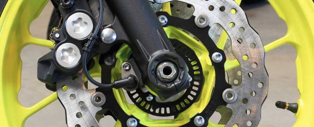 The braking system of your motorbike: much more than the brake pads
